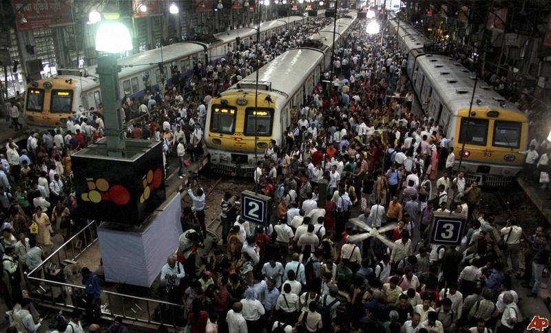 most crowded railway stations